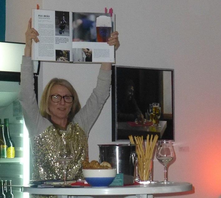 """BIERLESE mit Bierverkostung: Sylvia Kopp und Koyka Stoyanova lesen aus """"Das Craft-Bier Buch"""", Berlin, Bier in Berlin, Bier vor Ort, Bierreisen, Craft Beer, Bierseminar, Bierbuch, Bierverkostung"""