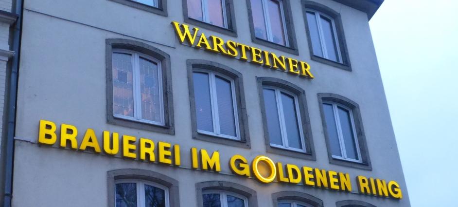 """Brauereiausschank """"Im Goldenen Ring"""", Düsseldorf, Bier in Nordrhein-Westfalen, Bier vor Ort, Bierreisen, Craft Beer, Bierrestaurant"""