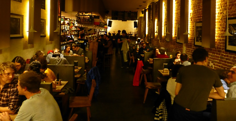 Moeder Lambic Fontainas, Brüssel, Bier in Belgien, Bier vor Ort, Bierreisen, Craft Beer, Bierbar
