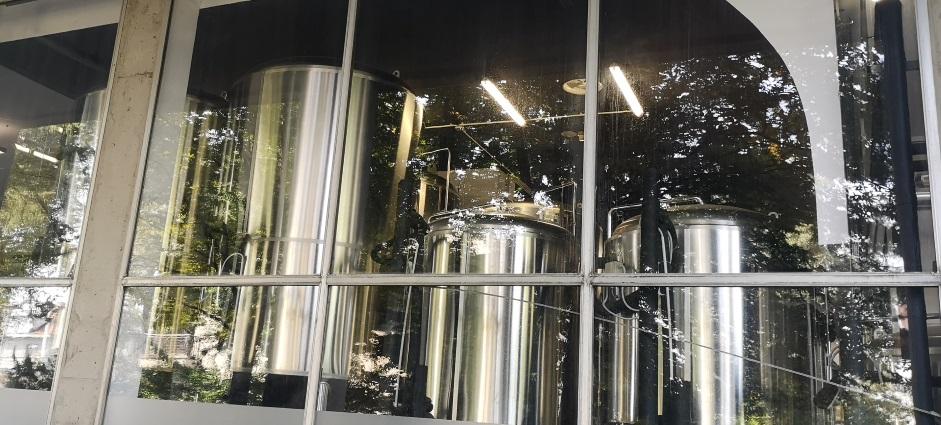 Tektonik Kraft Pivovarna, Ljubljana, Bier in Slowenien, Bier vor Ort, Bierreisen, Craft Beer, Brauerei