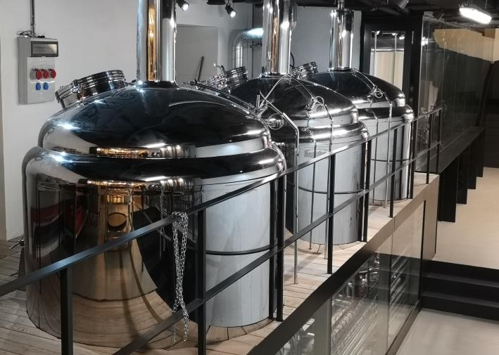 OSSEGG Praha – Pivovar & Restaurace, Praha, Bier in Tschechien, Bier vor Ort, Bierreisen, Craft Beer, Brauerei, Gasthausbrauerei