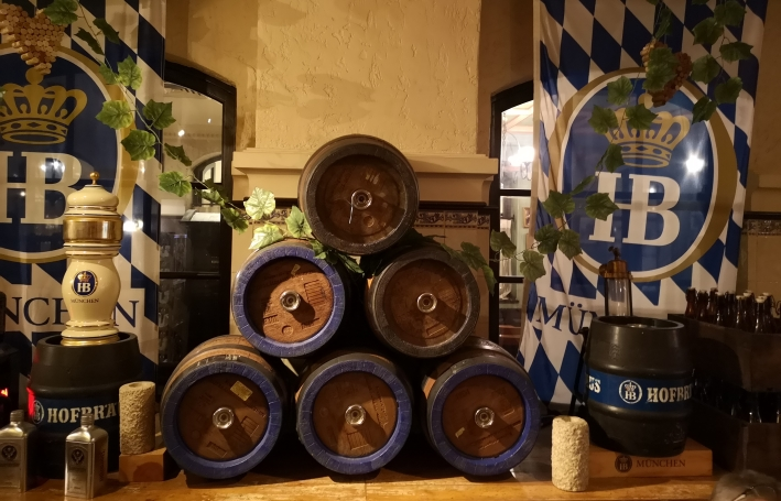 Hofbräuhaus Dubai, Dubai, Bier in den Vereinigten Arabischen Emiraten, Bier vor Ort, Bierreisen, Craft Beer, Bierbar, Bierrestaurant