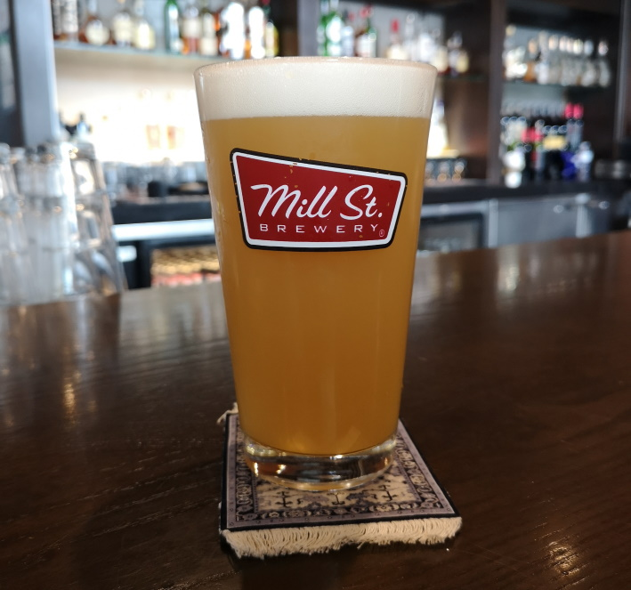 Mill Street Pub at Pearson, Mississauga, Bier in Kanada, Bier vor Ort, Bierreisen, Craft Beer, Pub