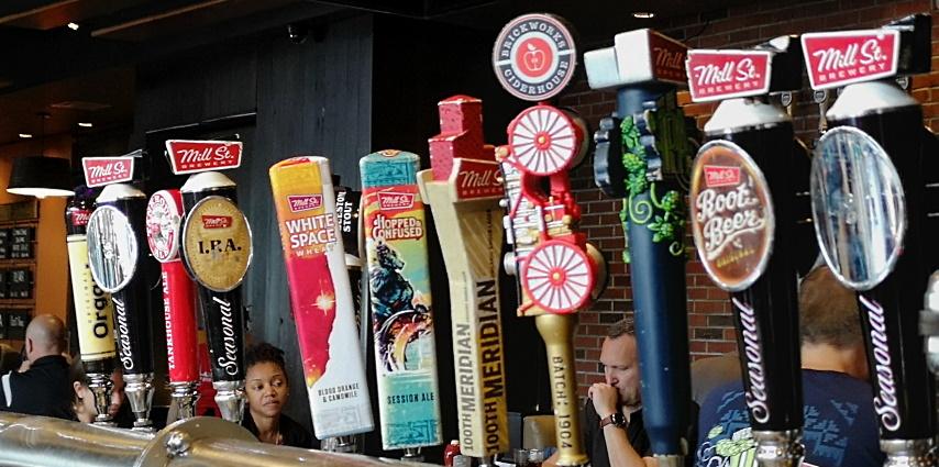 Mill Street Pub at Pearson, Mississauga, Bier in Kanada, Bier vor Ort, Bierreisen, Craft Beer, Pub
