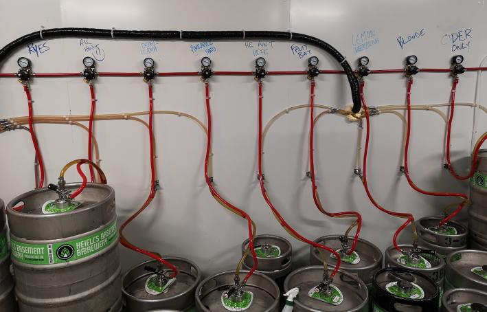 Hell's Basement Brewery Inc., Medicine Hat, Bier in Kanada, Bier vor Ort, Bierreisen, Craft Beer, Brauerei, Taproom