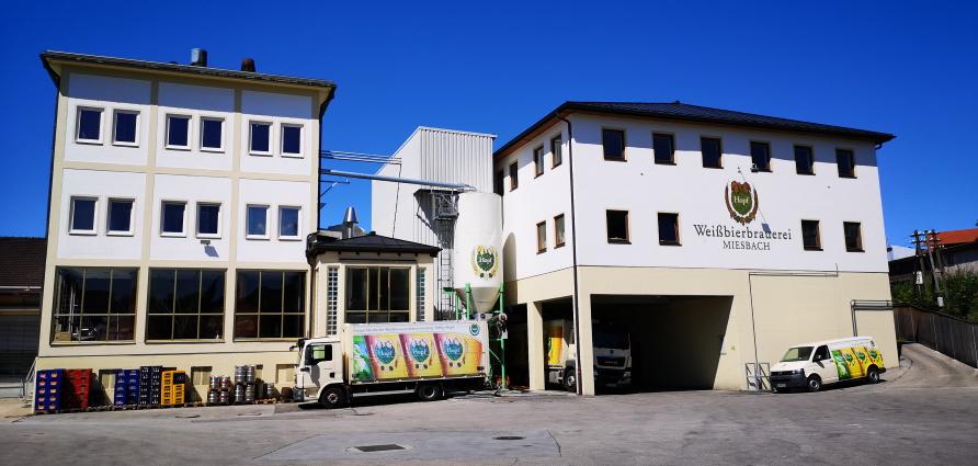 Weißbierbrauerei Hopf GmbH, Weißbräustüberl Miesbach, Miesbach, Bier in Bayern, Bier vor Ort, Bierreisen, Craft Beer, Brauerei, Biergarten, Bierrestaurant