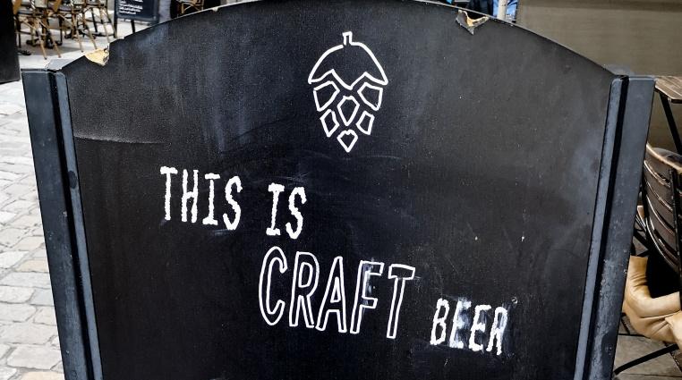 Les Moulins Bleus – Craft Beer and Food, Dijon, Bier in Frankreich, Bier vor Ort, Bierreisen, Craft Beer, Bierbar