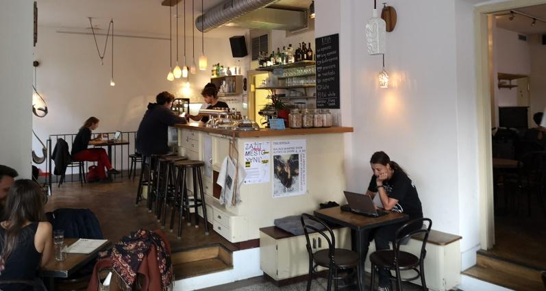Pivovar a Café Lajka, Praha, Bier in Tschechien, Bier vor Ort, Bierreisen, Craft Beer, Brauerei, Bierbar