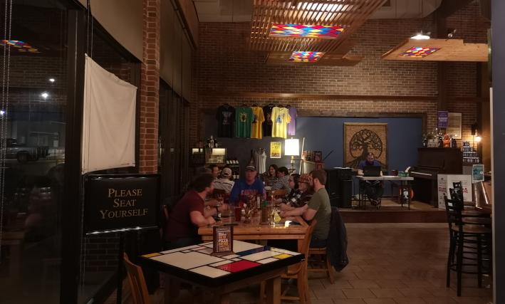 Public House Brewing Company: Rolla R&D Brewpub, Rolla, Bier in den USA, Bier vor Ort, Bierreisen, Craft Beer, Brauerei, Gasthausbrauerei, Taproom