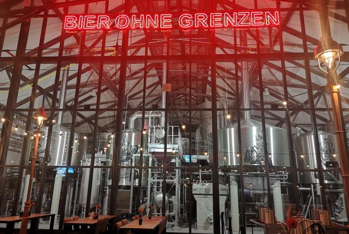 DogTap Berlin, Berlin, Bier in Berlin, Bier vor Ort, Bierreisen, Craft Beer, Brauerei, Bierbar, Biergarten, Bierrestaurant, Taproom