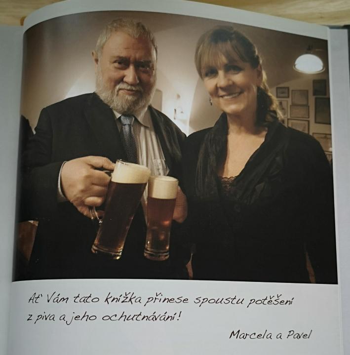 Pavel Borowiec, Marcela Titzlová, Kniha o Pivu, Bier in Tschechien, Bier vor Ort, Bierreisen, Craft Beer, Bierbuch