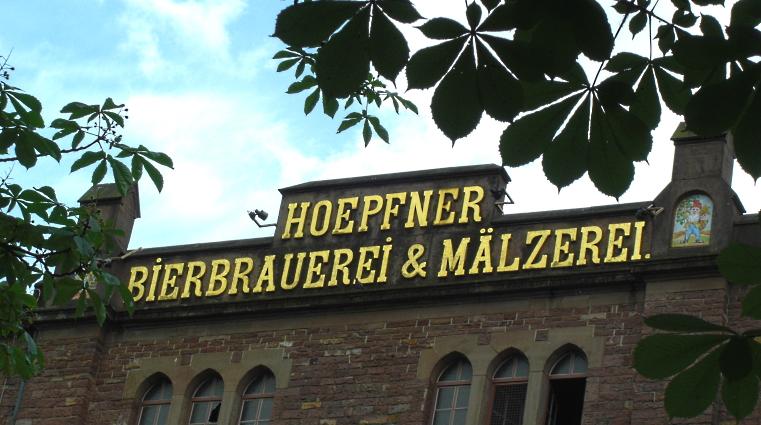 Privatbrauerei Hoepfner GmbH & Co. KG, Karlsruhe, Bier in Baden-Württemberg, Bier vor Ort, Bierreisen, Craft Beer, Brauerei, Brauereigasthof, Biergarten, Bierrestaurant