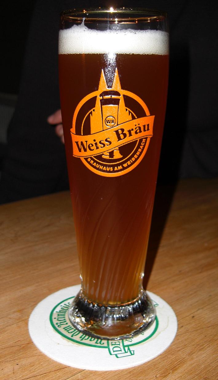 Weiss Bräu am Barbarossaplatz, Köln, Bier in Nordrhein-Westfalen, Bier vor Ort, Bierreisen, Craft Beer, Brauerei, Gasthausbrauerei