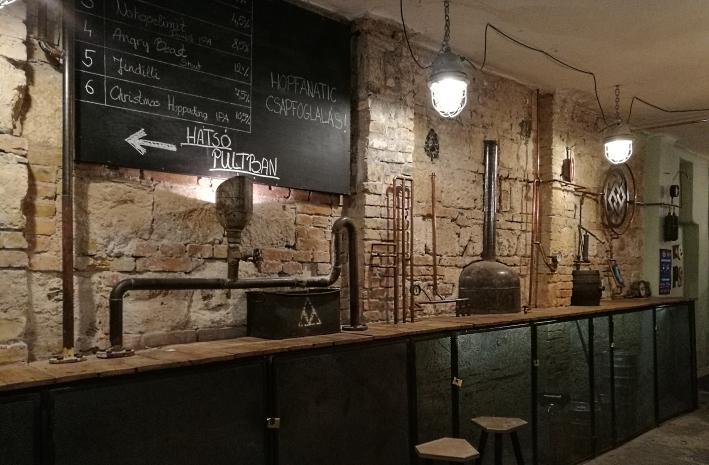 Élesztőház, Budapest, Bier in Ungarn, Bier vor Ort, Bierreisen, Craft Beer, Bierbar