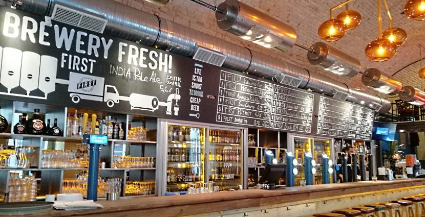 FIRST Craft Beer & BBQ, Budapest, Bier in Ungarn, Bier vor Ort, Bierreisen, Craft Beer, Bierbar