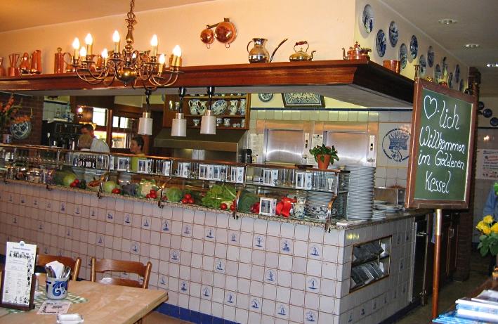 Brauereiausschank ›Im Goldenen Kessel‹, Düsseldorf, Bier in Nordrhein-Westfalen, Bier vor Ort, Bierreisen, Craft Beer, Bierrestaurant