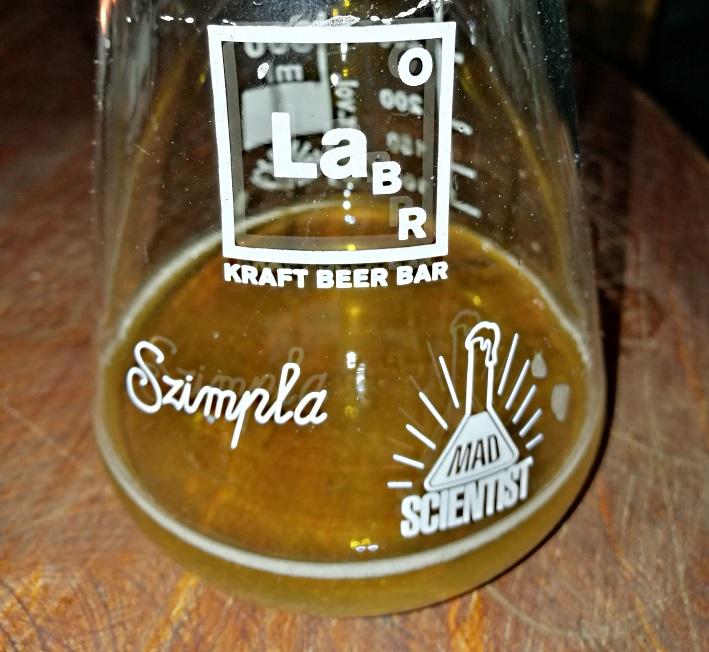 Szimpla Kert / Labor Kraft Beer Bar, Budapest, Bier in Ungarn, Bier vor Ort, Bierreisen, Craft Beer, Brauerei, Bierbar