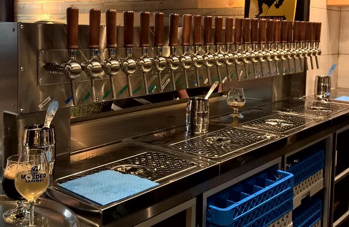 Moeder Lambic Original, Brüssel, Bier in Belgien, Bier vor Ort, Bierreisen, Craft Beer, Bierbar