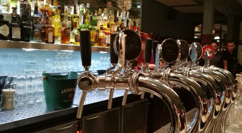 Monk Bar BXL, Brüssel, Bier in Belgien, Bier vor Ort, Bierreisen, Craft Beer, Bierbar, Trappistenbier