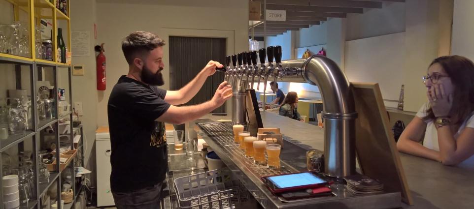 Olhöps Craft Beer House, Valencia, Bier in Spanien, Bier vor Ort, Bierbar