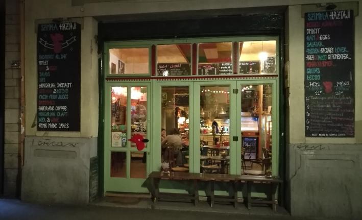 Szimpla Háztáji, Budapest, Bier in Ungarn, Bier vor Ort, Bierreisen, Craft Beer, Bierbar
