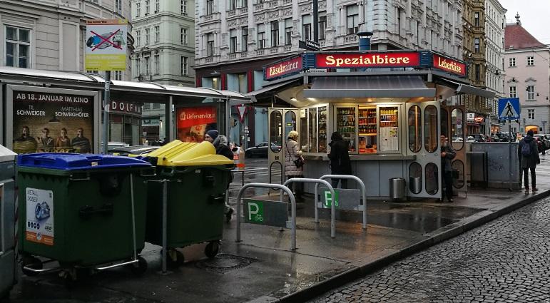 Wiener Würstelstand, Wien, Bier aus Österreich, Bier vor Ort, Bierreisen, Craft Beer, Bierbar